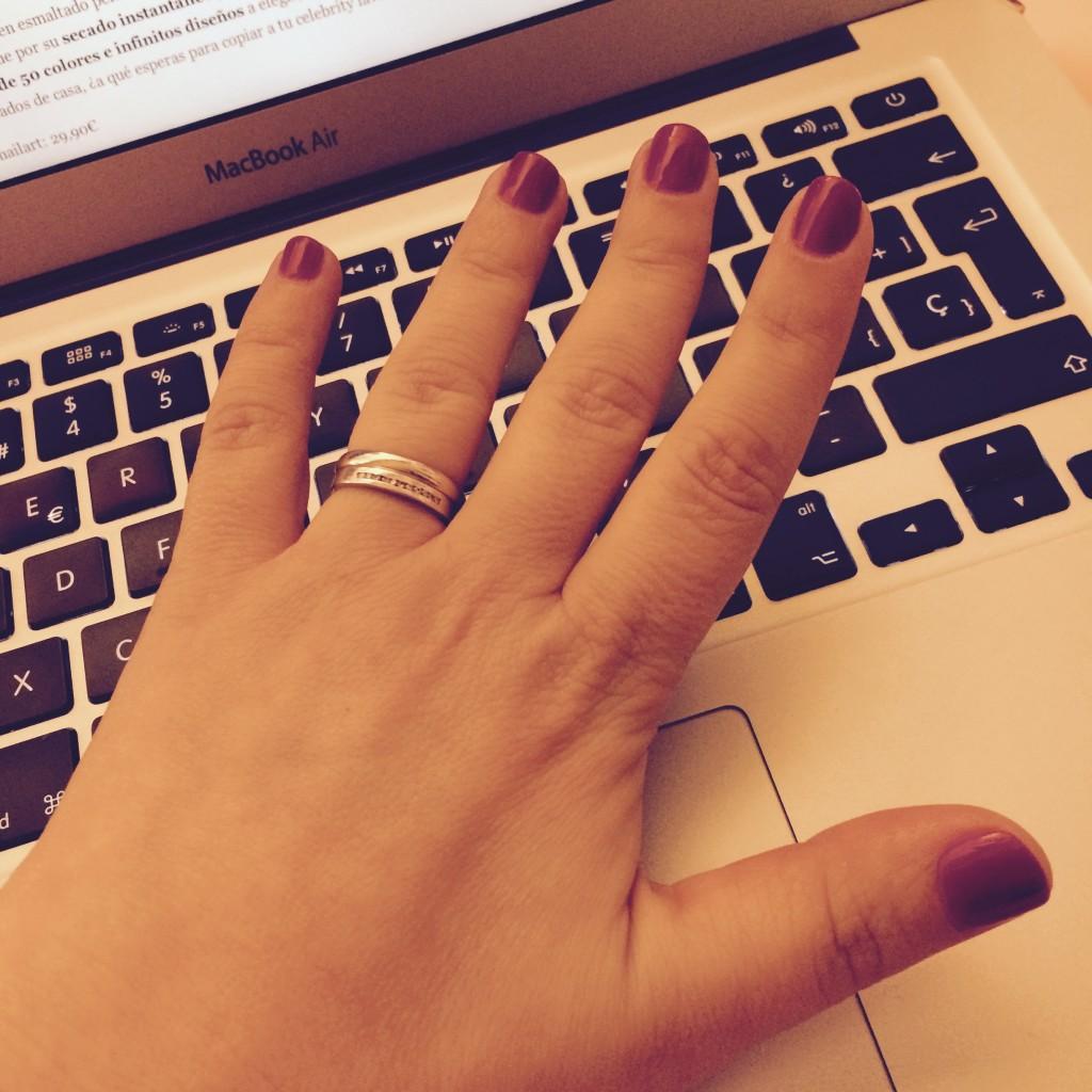 manicura roja d uñas
