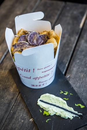 O´Daly-Fish & Chips rebozados en tempura con chips de patata azul